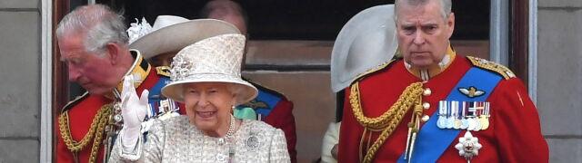 """Syn Elżbiety II rezygnuje z pełnienia obowiązków. """"Mocno żałuję nieprzemyślanej znajomości"""""""