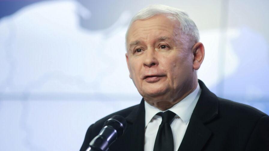 """Czy prezes PiS powinien rozmawiać o budowie wieżowca? Sondaż dla """"Faktów"""" TVN i TVN24"""