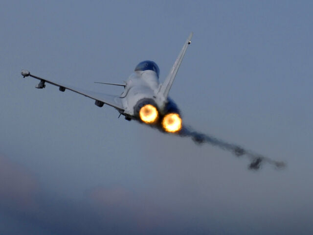 """Syryjskie bombowce miały """"badać"""" obronę Cypru. Przywitał je RAF"""