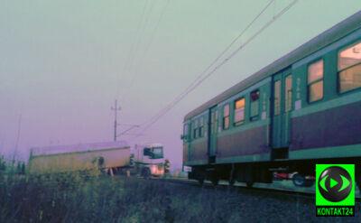 Ciężarówka zatrzymała pociągi