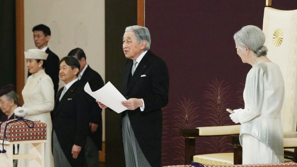 Cesarz podziękował poddanym i oddał władzę. Pierwsza abdykacja od ponad 200 lat