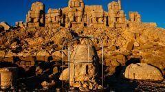 Góra Nemrut o wschodzie słońca