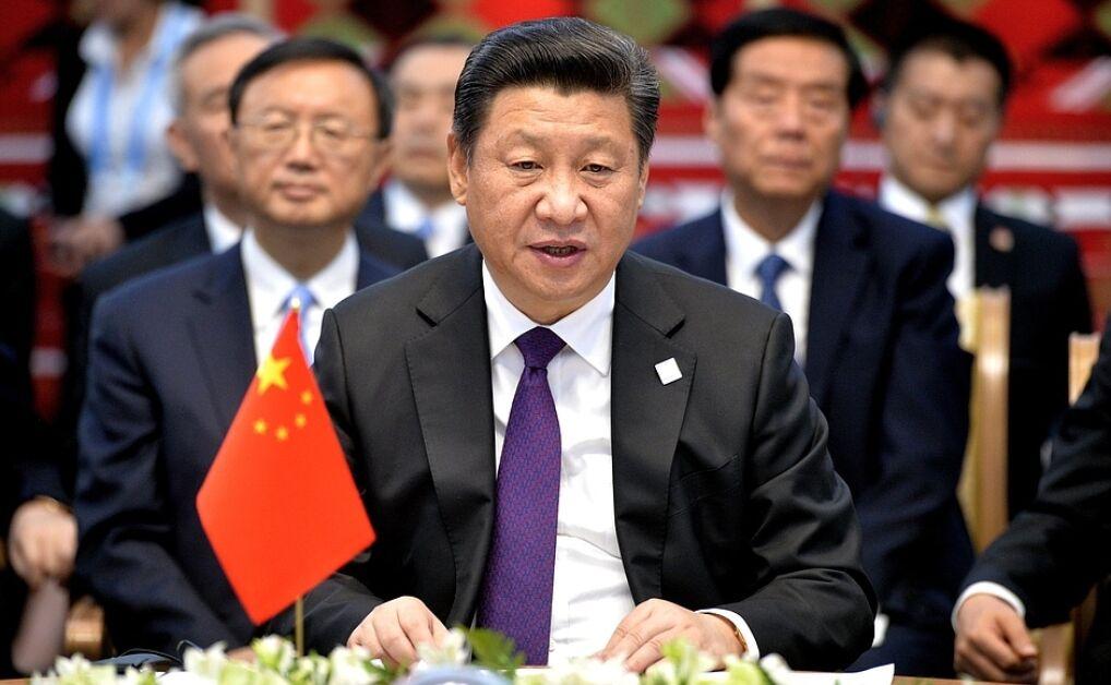Xi Jinping toczy wewnątrzpartyjną walkę o pełnię władzy w Chinach