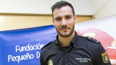 Mistrz olimpijski wrócił do służby i patroluje ulice.