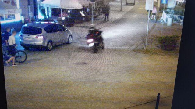 Potrącił kobietę i uciekł. Policja szuka motocyklisty