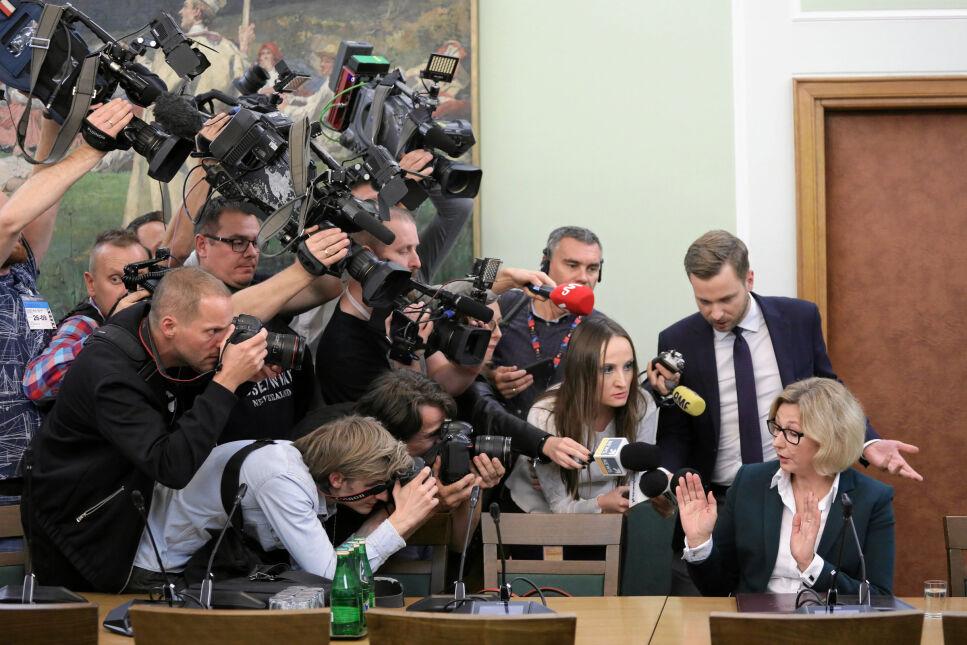 Małgorzata Motylow podczas posiedzenia Komisji do Spraw Kontroli Państwowej