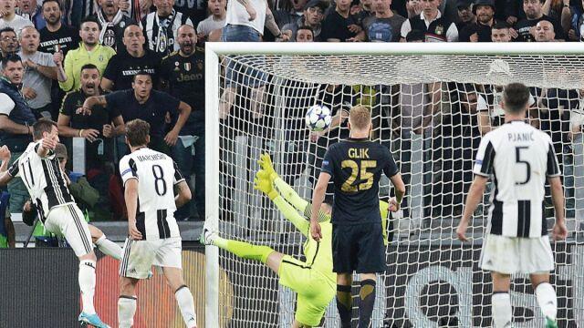 Juventus pierwszym finalistą. Koniec pięknej przygody Glika