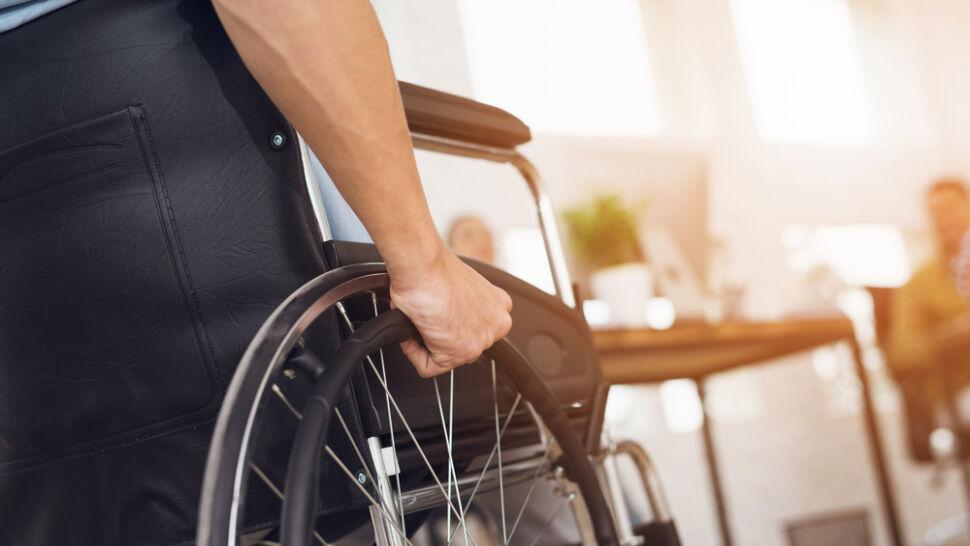 Przegląd prasy. Ustawa miała pomóc niepełnosprawnym, a wyklucza najmłodszych