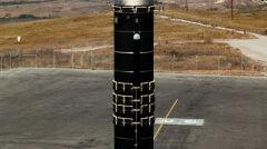Odpalenie próbne rakiety Peacekeeper. Miały one zastąpić starzejące sięMinutemany III, ale z powodu obcięcia funduszy nic z tego nie wyszło. Rakiety przystosowano do celów cywilnych i służą teraz jako Minotaur IV do wynoszenia satelitów