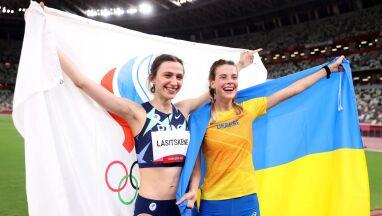 Wspólne zdjęcie medalistek z Ukrainy i Rosji. Ministerstwo poprosi o wyjaśnienia
