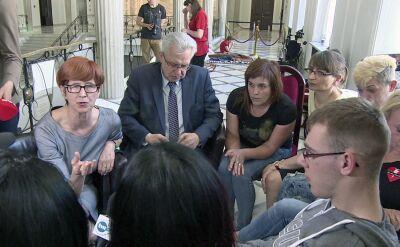 Minister Rafalska spotkała się z rodzicami protestujących dzieci