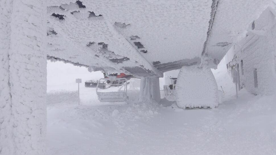 Na Kopie przegrali z zimą. Nowa kolej linowa stanęła z powodu śniegu i lodu
