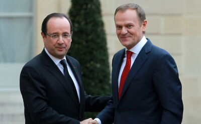 Tusk w Paryżu chwali i wspiera Francuzów