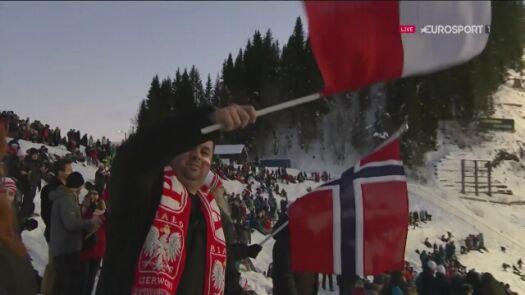 Skok Piotra Żyły z drugiej serii konkursu w Trondheim