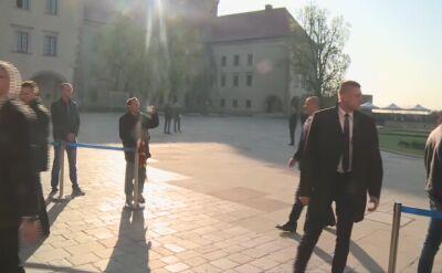 Prezydent Andrzej Duda razem z Martą Kaczyńską modlili się przy grobie Lecha i Marii Kaczyńskich