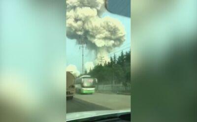 Wybuch w fabryce w Chinach. Na niebie pojawiła się ogromna chmura dymu