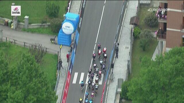 Przepychanka Vivianiego i Cimolai za metą 3. etapu Giro d'Italia