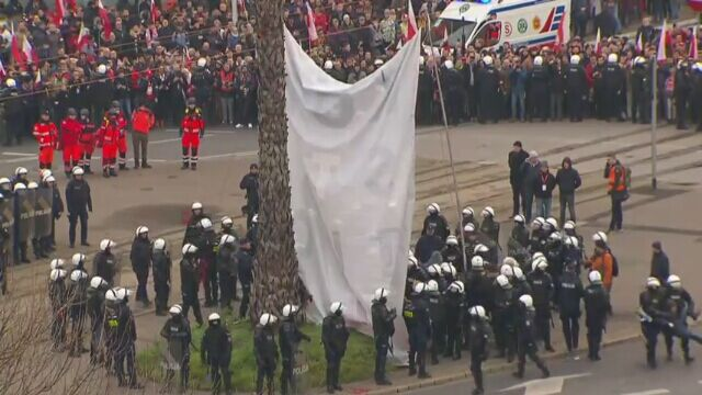 Interwencja policji przy warszawskiej palmie