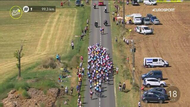 Kraksa w środku peletonu na 10. etapie Tour de France