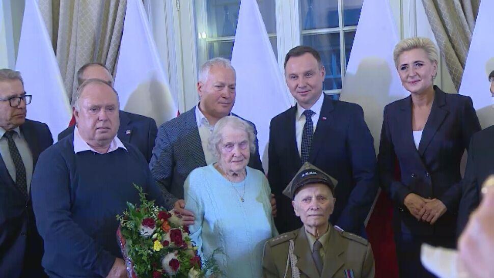 Prezydent wręczył akt nadania obywatelstwa 90-letniemu kombatantowi