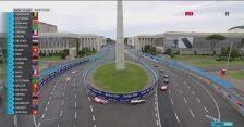 Start wyścigu E-Prix w Rzymie za samochodem bezpieczeństwa