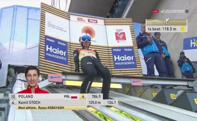 Skok Kamila Stocha w drugiej serii konkursu drużynowego w Innsbrucku