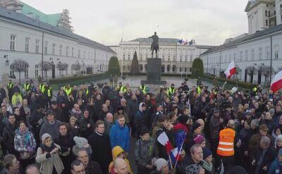 Hymn przed Pałacem Prezydenckim