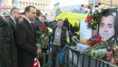 Sikorski złożył kwiaty pod zdjęciami ofiar starć