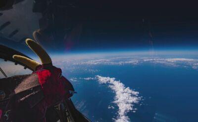 """Zdjęcia ze """"szczytu świata"""". Pilot U-2 z aparatem"""