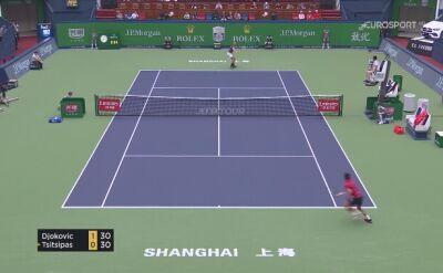 Tsitsipas pokonał Djokovicia w ćwierćfinale w Szanghaju
