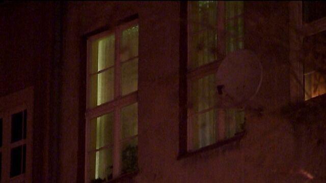 W nocy ciała zabrano z mieszkania. W piątek przeprowadzono sekcję zwłok