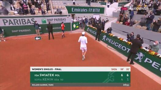 Radość Igi Świątek po wygranej Roland Garros 2020