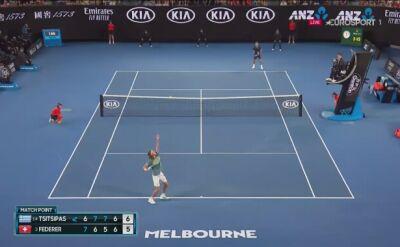 Tsitsipas wykorzystał piłkę meczową z Federerem