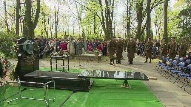 """Płk. Zygmunt Szendzielarz """"Łupaszka"""" spoczął na Powązkach Wojskowych w Warszawie"""