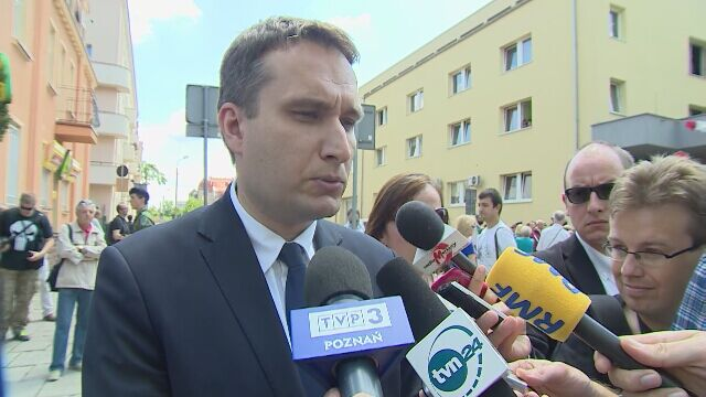 Wiceprezydent Poznania o odczytaniu apelu smoleńskiego