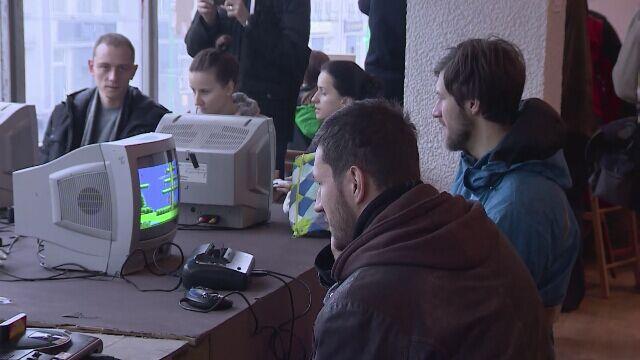 Pacman i SuperMario wrócili. Poznań gra w retrogry