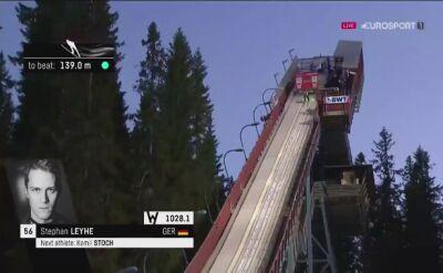 Skok i upadek Stephana Leyhe w kwalifikacjach na skoczni w Trondheim