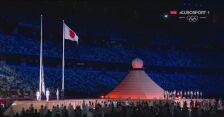 Wciągnięcie olimpijskiej flagi na maszt na stadionie i hymn igrzysk