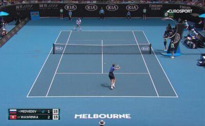 Skrót meczu Wawrinka - Medwiediew w 4. rundzie Australian Open
