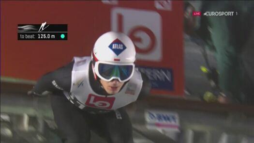 Skok Kamila Stocha w kwalifikacjach w Oslo