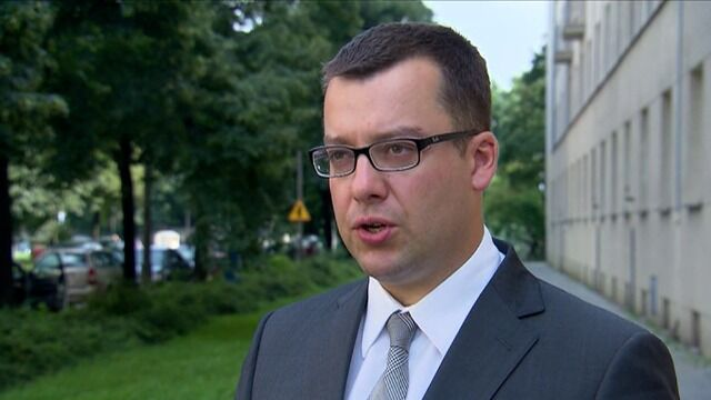 Korwin-Mikke będzie się tłumaczył  w prokuraturze za spoliczkowanie Boniego