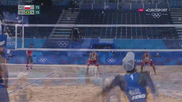 Tokio. Siatkówka plażowa mężczyzn. Fijałek/Bryl - Evandro/Schmidt.  Ładny punkt Bryla 16:15