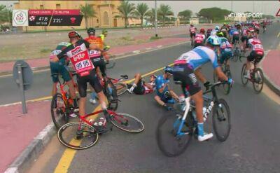 Kraksa na zakręcie na 4. etapie UAE Tour