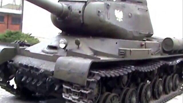 Pierwsza jazda czołgu IS-2 po remoncie