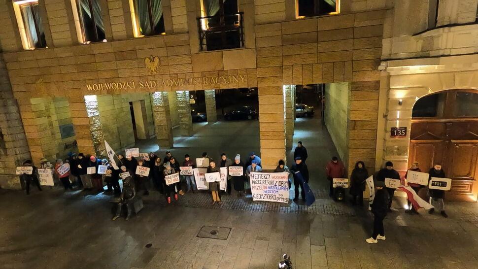 """""""To jest zamach na obywateli"""". Protesty przeciwko planom PiS"""