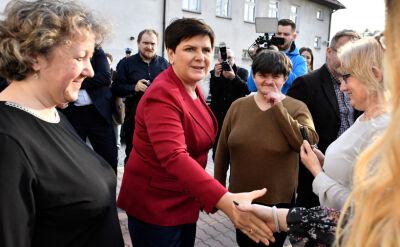 """""""Czekała jak w hibernacji"""". Beata Szydło ruszyła w Polskę"""