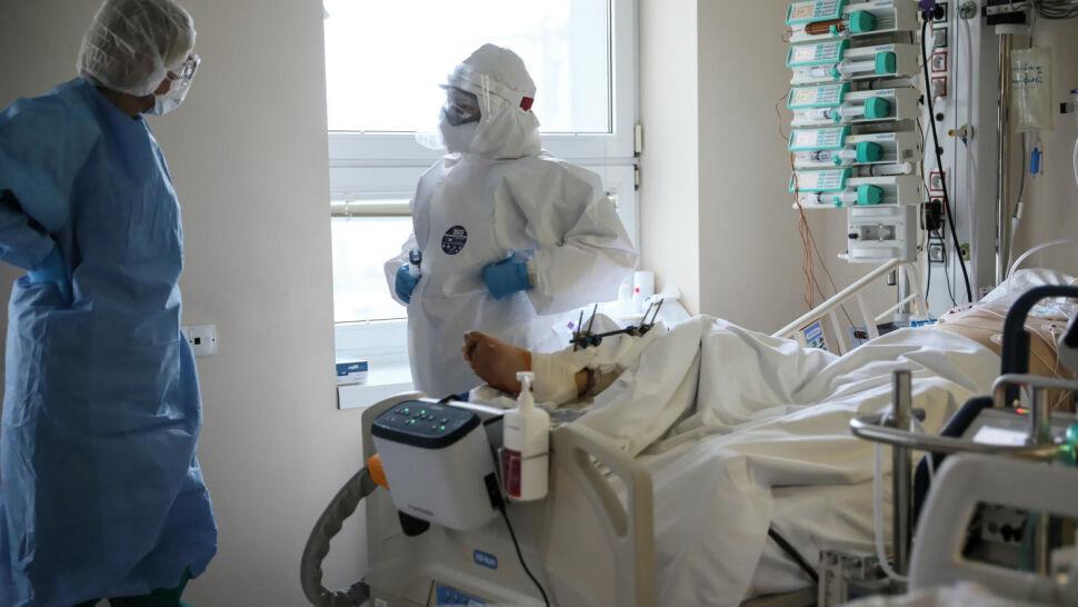 Prawie 15 tysięcy nowych zakażeń SARS-CoV-2. Pandemiczna rzeczywistość w Polsce