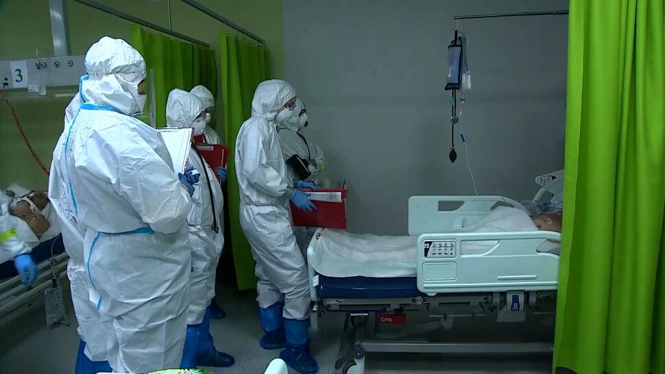 Darmowe, dobrowolne i dwudawkowe. Jak będą wyglądały szczepienia przeciwko COVID-19 w Polsce?