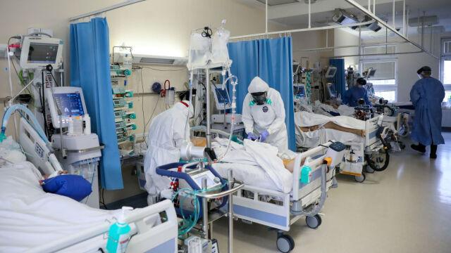 01.12.2020 | Mateusz Morawiecki ogłasza sukces w walce z koronawirusem. Lekarze: ludzie unikają testowania