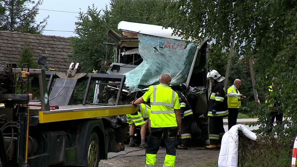 Autobus z uczniami zderzył się z ciężarówką. Wiele dzieci rannych